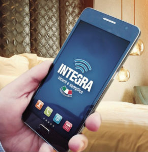 aprire-porta-con-smartphone-aprire-porta-con-app-serrature-per-hotel-romana-serrature