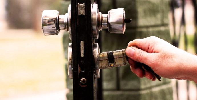 Serrature a doppia mappa VS cilindri europei
